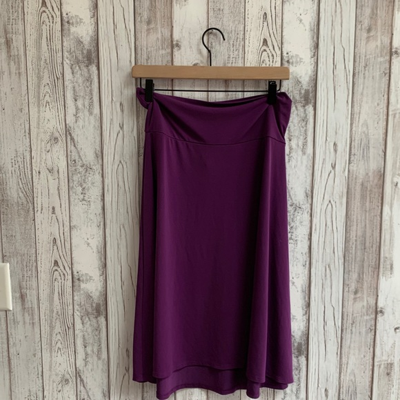 Lularoe Cassie skirt, purple, size large